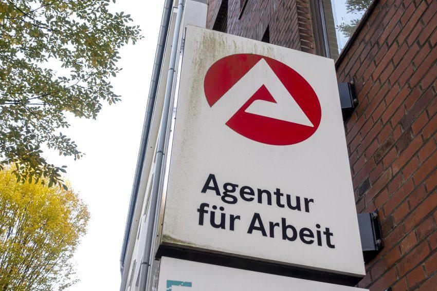 Die Agentur für Arbeit in der Markgrafenstraße in Herne (NW), am Samstag (07.11.2020).