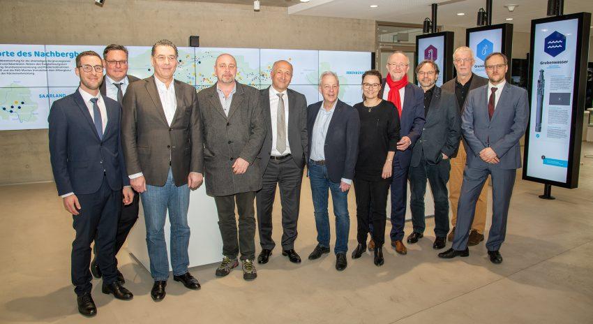 v.l. Marc Tetzlaff, Michael Göge, Udo Sobieski, Andreas Hentschel-Leroy, Peter Schrimpf, Markus Töns, Michelle Müntefering, Axel Schäfer, Michael Groß, Arno Klare und Dr. Michael Drobniewski.