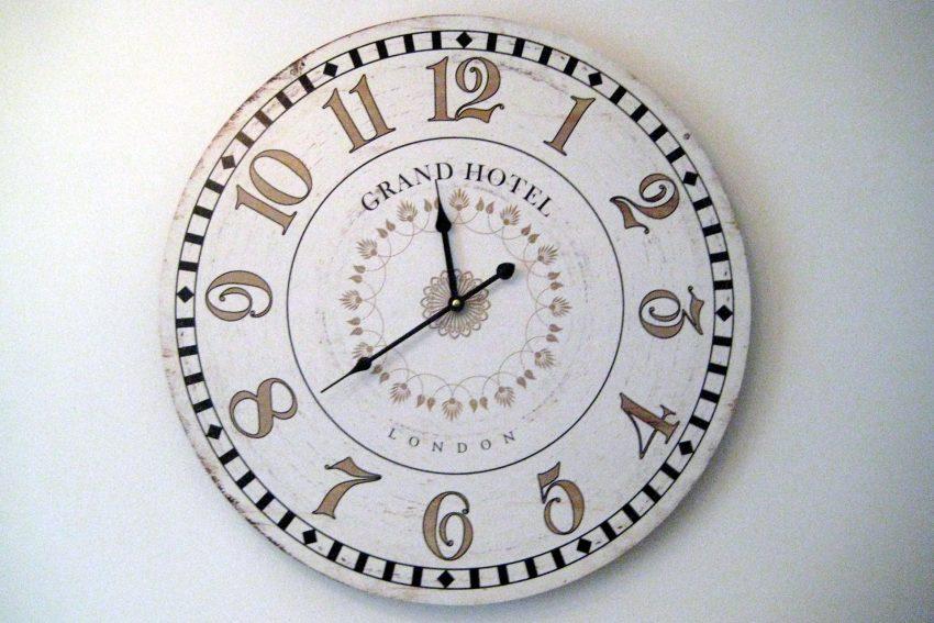 Uhr im Hotel Sicking.