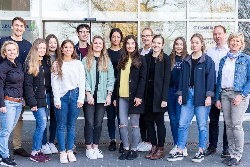 Die ersten zwölf Auszubildende der Akademie für Logopädie der St. Elisabeth Gruppe.
