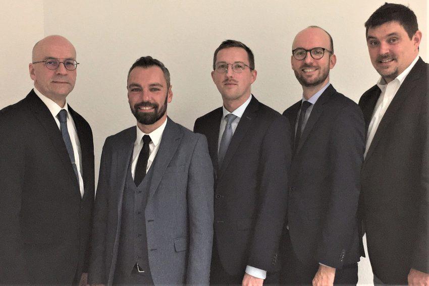 v.l. Dirk Brieskorn (Vorstand), Cengiz Kaymak (Vorstand), Mike Imminger (Geschäftsführer), Philipp Künne (Rechtsanwalt u. Sanierungsberater), Nico Koning (Vorstand).