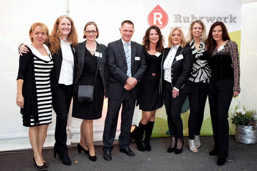Die sieben Ruhrwerk-Damen mit Gastgeber Wolfgang Neige (HCR): v.l. Cornelia Bruch, Cornelia Lengert-Scholz, Frauke Schewe, Cordula Klinger-Bischof, Safi Thoma, Kerstin Zulechner, Iris Stiebling.
