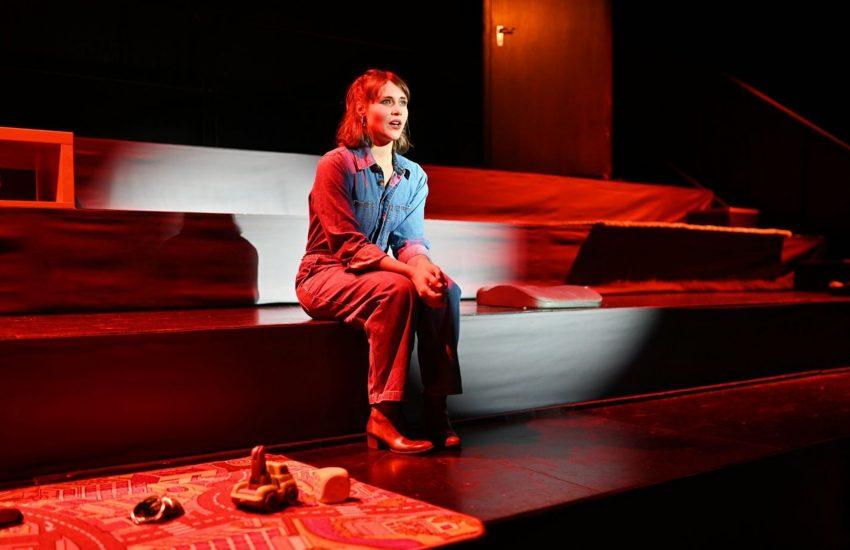 """Auf den Auftritt Yvonne Forsters in """"All das Schöne"""" werden wir noch etwas warten müssen."""