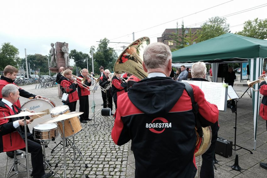 Musikkorps der BoGeStra bei der Fahrzeugtaufe der neuen Variobahn.