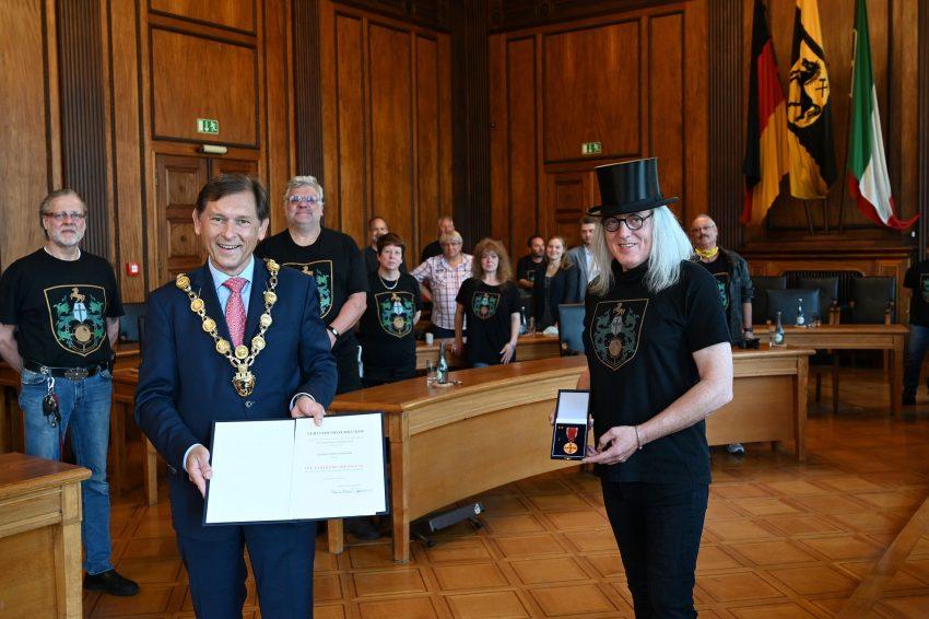 Verleihung Bundesverdienstorden an Horst Schröder