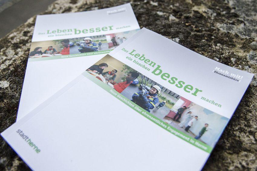 Die neue Ehrenamts-Broschüre der Stadt.