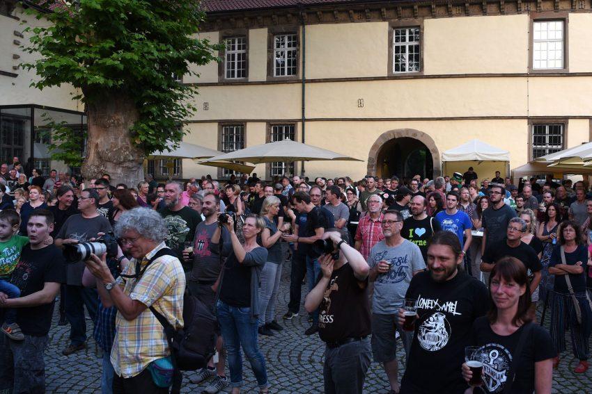 Folk und Rock im Schlosshof