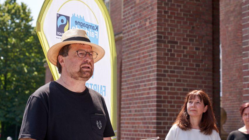 Herne ist 2021 wieder Fair Trade Town, im Bild (li.) Markus Heißler vom Eine Welt Zentrum.