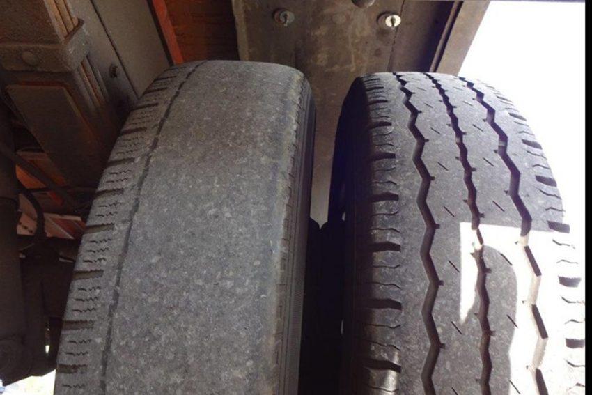 Abgefahrene Reifen - glatt wie ein Spiegel.