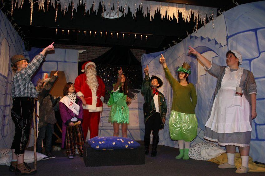 Weihnachtswirbel im Kleinen Theater.