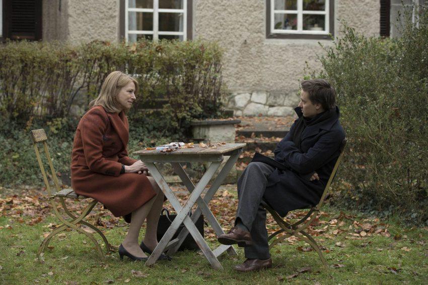 Lara (Corinna Harfouch) mit ihrem Sohn Viktor (Tom Schilling).