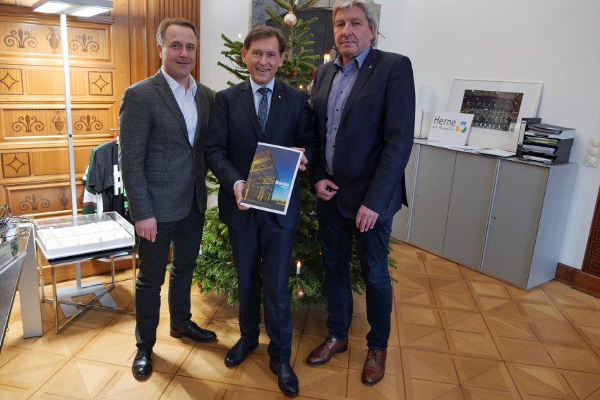 v.l. Holger Wennrich (Geschäftsführer Stadtmarketing), Dr. Frank Dudda, Christian Stiebling (SMH-Aufsichtsratsvorsitzender).