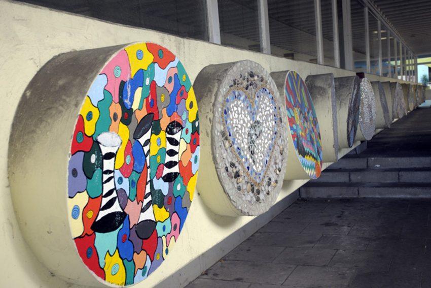Kunst im öffentlichen Raum hier das Relief im Eingangsbereich der Realsschule Eickel. 1972 von Ewerdt Hilgemann entworfen.