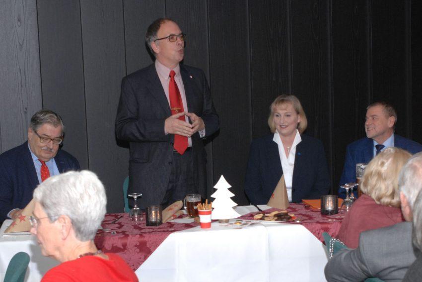 v.l. Dr. Gerhard Hartmann, Frank Heu, Kirsten Eink (Landesgeschäftsführerin der Europa-Union NRW und Kandidatin für das Europäische Parlament) , Peter Wahl (Landesvorsitzender Europa-Union NRW).