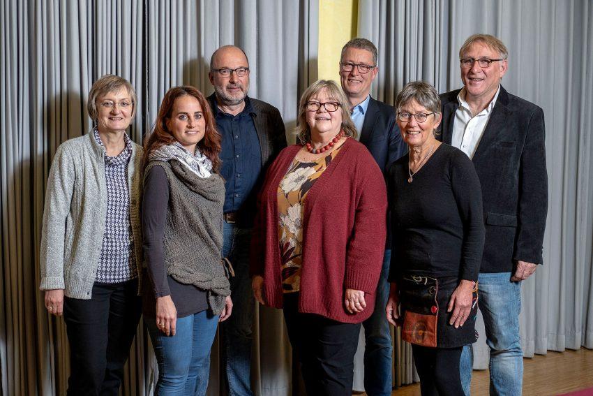 v.l. Team des Paritätischen in Herne: Helga Alshut (Geschäftsstelle), Esra Tekkan-Arslan (PlanB, Vorstand), Frank Köhler (GfS, Stellvertreter), Susanne Schübel (ID55, Stellvertreterin), Rochus Wellenbrock (Stiftung wewole, Vorsitzender), Dorothea Schulte (Nachbarn e.V., Vorstand) und Kreisgruppengeschäftsführer Thomas Röll.