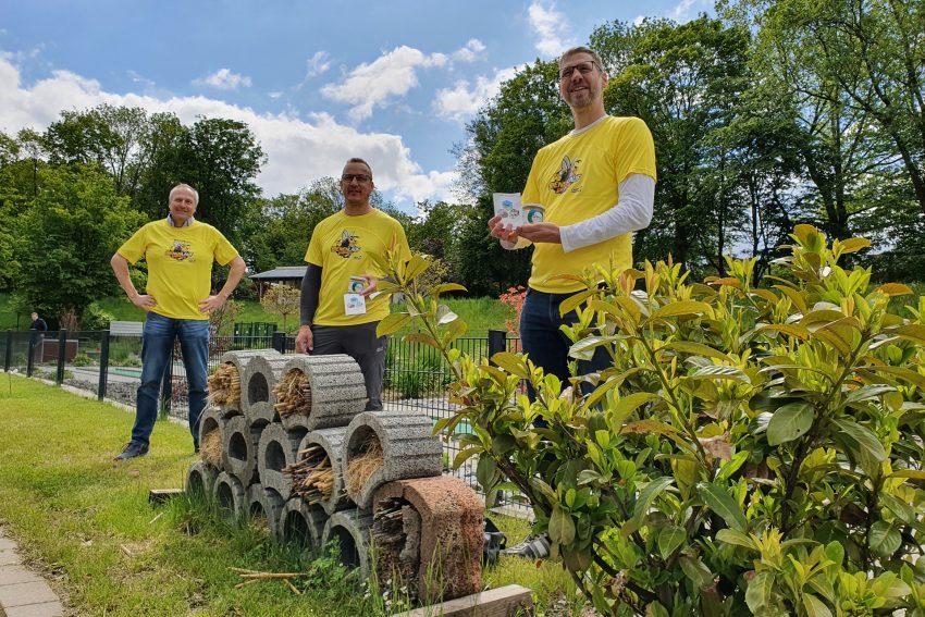 Mitglieder des Imkervereins besuchten die Minigolfanlage in Eickel
