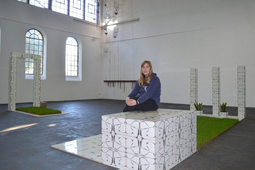 Yoana Tuzharova hat abstrakte Zahlen des Deutschen Aktien-Index in sinnlich erfahrbare Kunst transformiert.