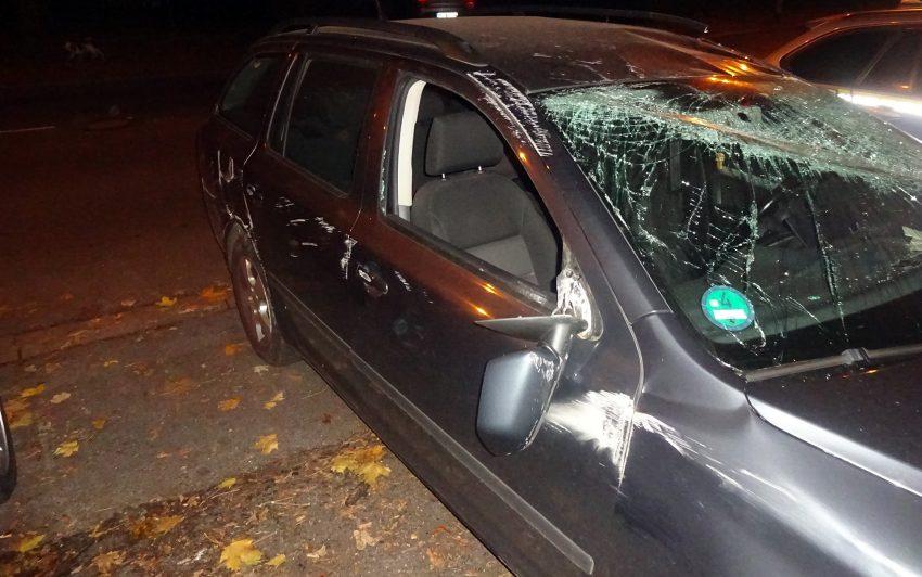 Das zerstörte Auto.