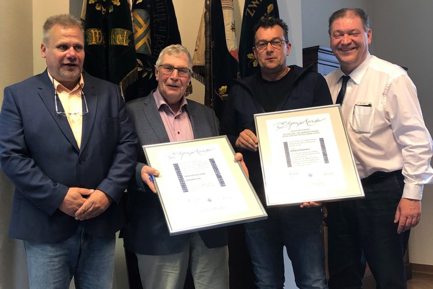 v.l. Kreishandwerksmeister und Obermeister Hans-Joachim Drath, Hugo Hellrung, Bernd Kortebusch und Geschäftsführer Martin Klinger