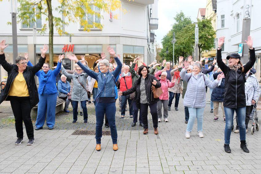 Flashmob beim Weltseniorentag.