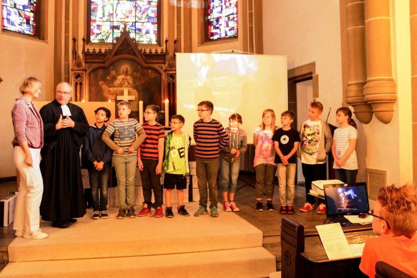 Kinder beim ökumenischen Gottesdienst.