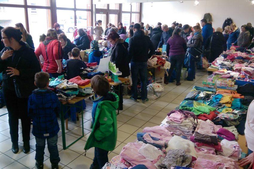 Kinderflohmarkt im Gemeindezentrum Hl. Familie.