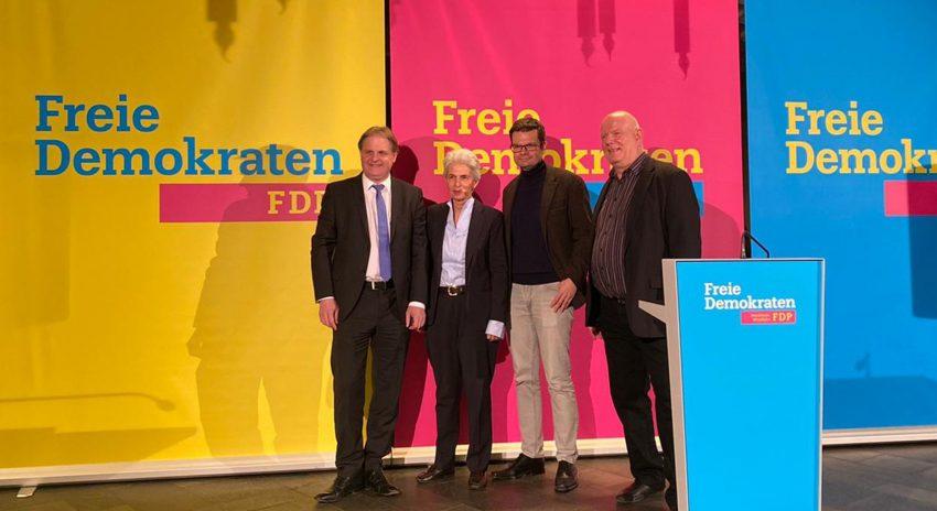 v.l. Ralf Witzel MdL, Marie-Agnes Strack-Zimmermann MdB, Marco Buschmann MdB, Moderator Thomas Nückel MdL.