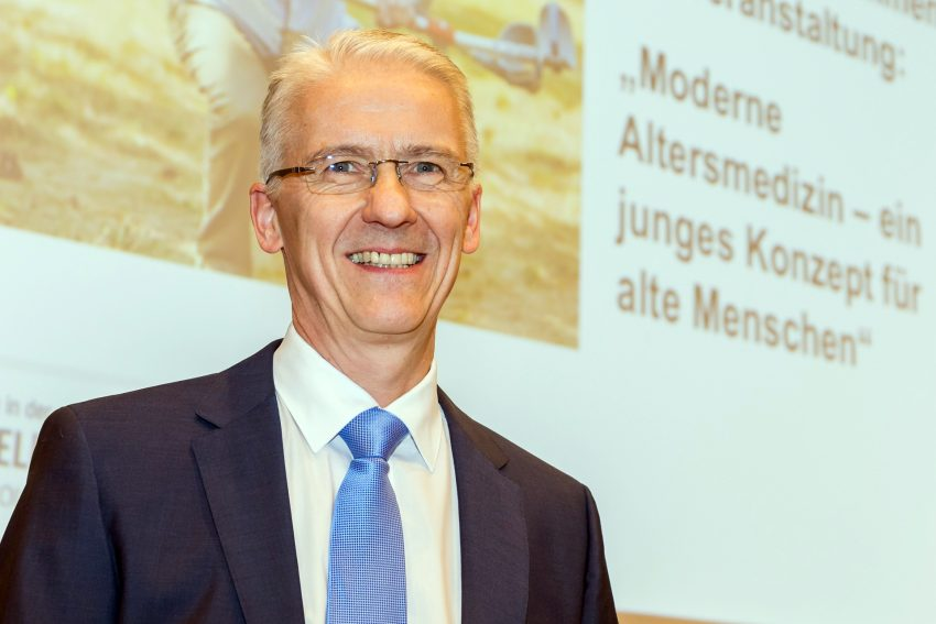 Prof. Dr. Rainer Wirth.