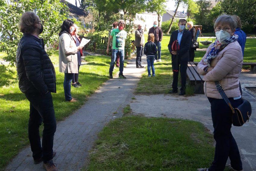 Ortsbegehung mit der CDU am Freitag (15.5.2020) zur Planung der Container-Erweiterung der Kita Pantringshof.