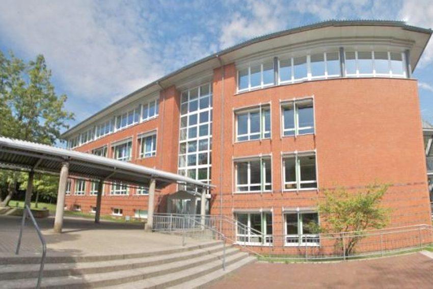Anfang des Jahres haben Schüler aus dem 10. und 11. Jahrgang der Mont-Cenis-Gesamtschule die Gedenkstunde für die Opfer des Nationalsozialismus aus Herne und Wanne-Eickel gestaltet, zu der Oberbürgermeister Dr. Frank Dudda ins Kulturzentrum eingeladen ha