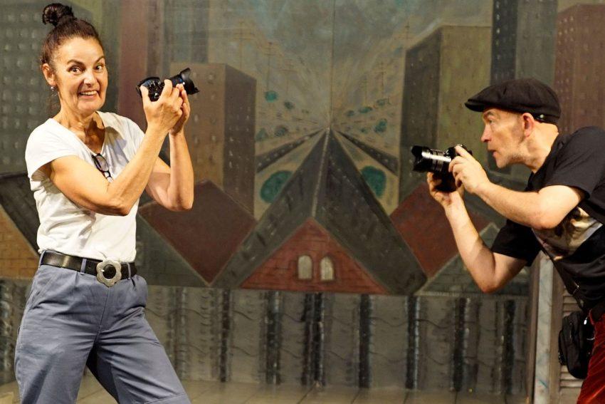 Birgit Iserloh und Ralf Lambrecht vom Theater Traumbaum mit ihrem neuen Equipment.