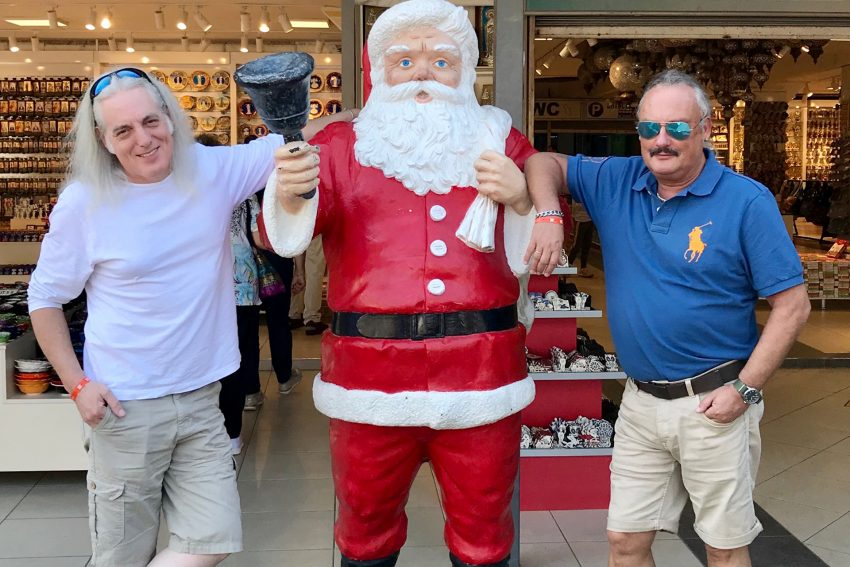 ... luden die Mondritter Hotte und Volker den Nikolaus nach Herne ein.