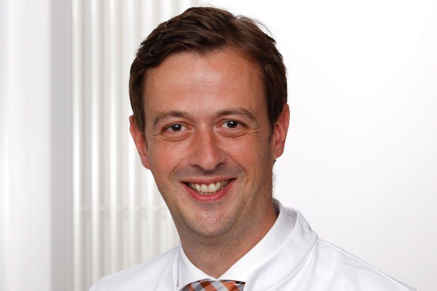 Prof. Dr. Timm Westhoff.