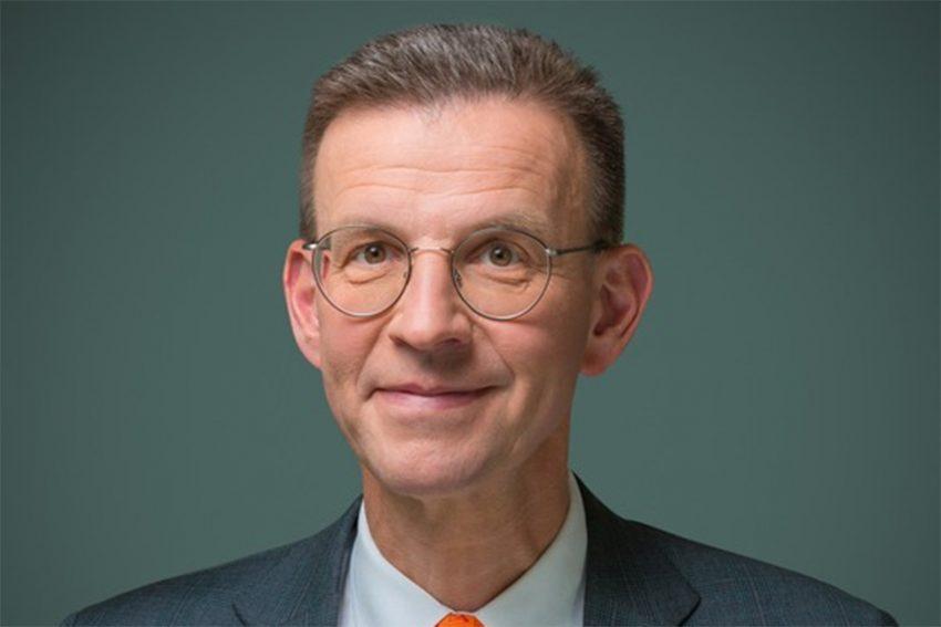 Dr. Martin Strahl.