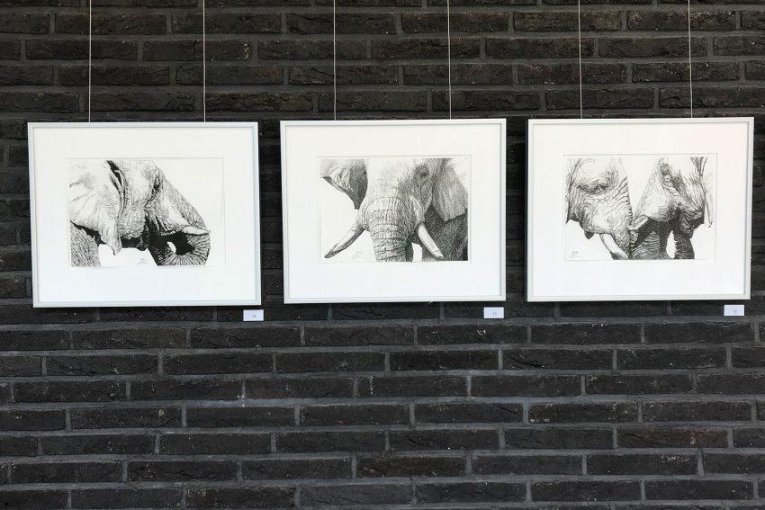 Auch auf das Thema Wilderei geht der Künstler.