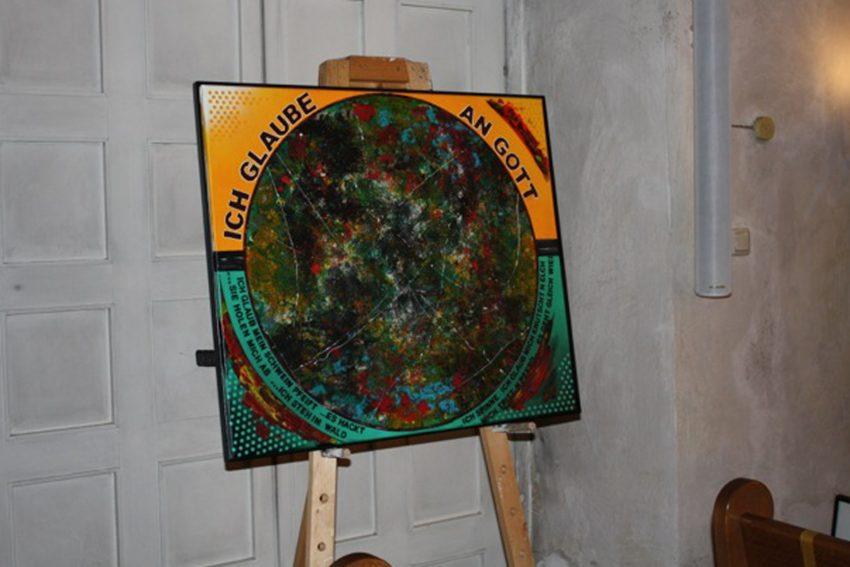 """Die Ausstellung """"Stichwort: Glaube"""" von Herner Künstlern ist nun in Schledehausen zu sehen - trotz Corona."""