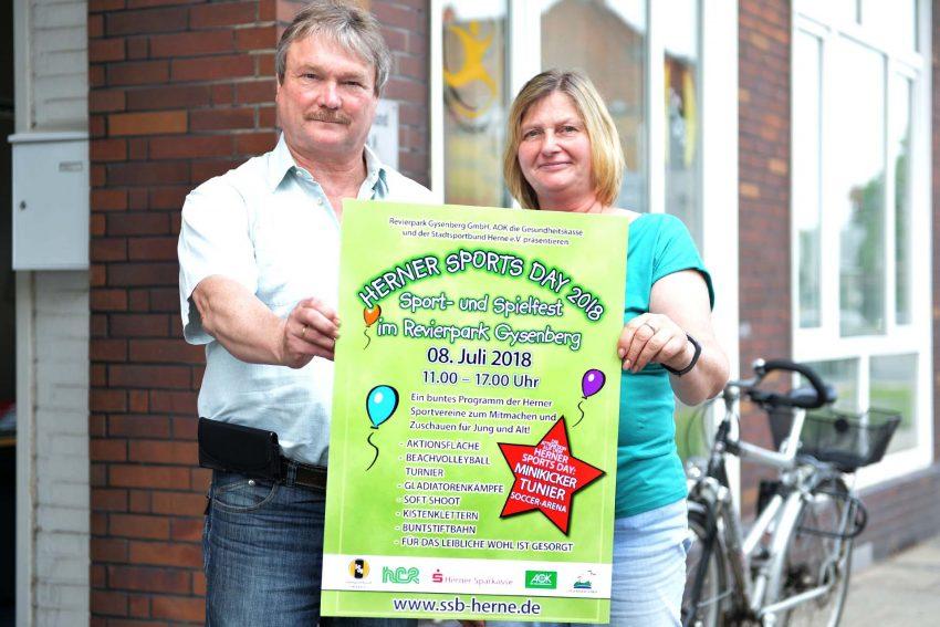 Peter Achilles und Silvia Jedamzi präsentieren den Herner Sports Day.