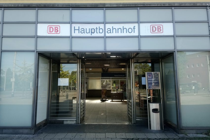 Eingang zum Hauptbahnhof Wanne.