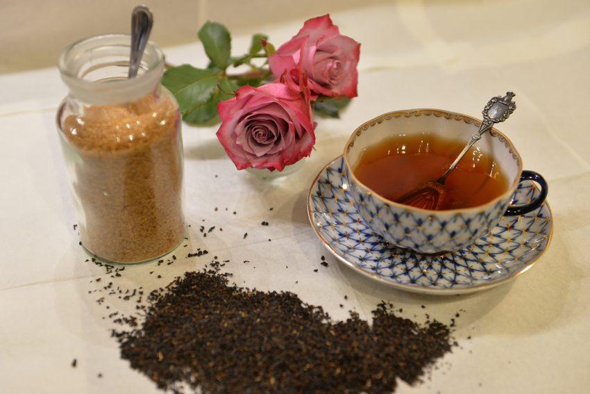 It' tea-time.