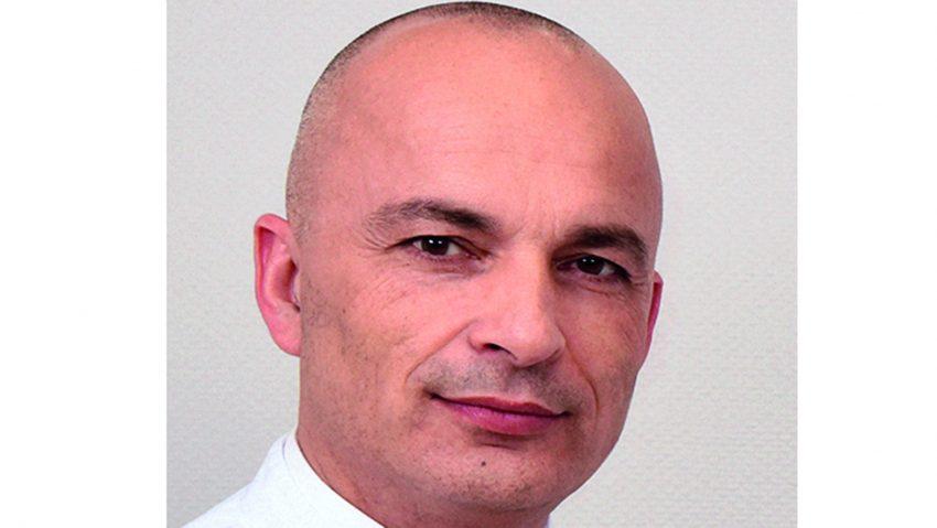 Dr. Erich Hecker, Chefarzt der Thoraxchirurgie am EvK Herne.