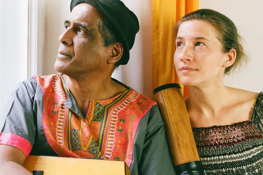 Das Duo Erick Manana & Jenny Fuhr bringen Hochlandklänge aus Madagaskar.