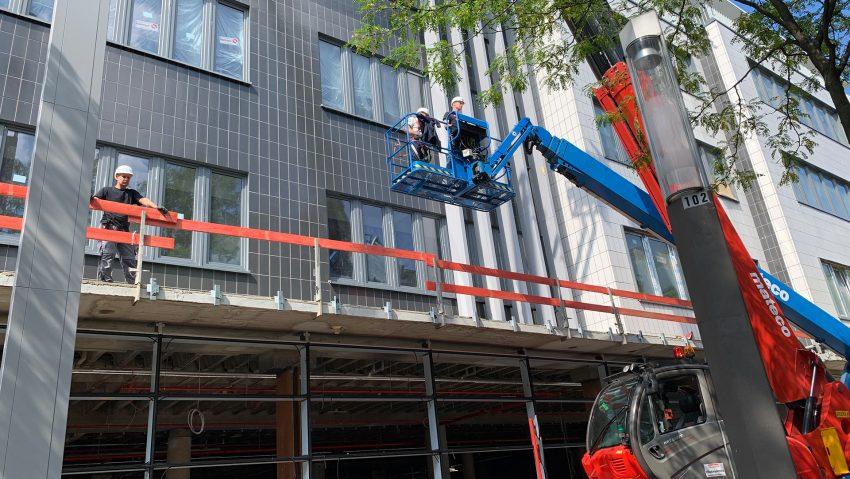 Neuer Stand bei Neuen Höfen im alten Karstadt-Gebäude am Robert-Brauner-Platz am 4. August 2020