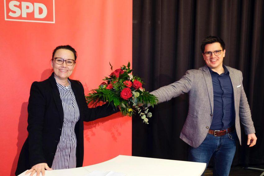 Bundestagsabgeordnete Michelle Müntefering, hier mit Alexander Vogt, wurde mit 89 Prozent auf der Wahlkreiskonferenz im März 2021 für den Wahlkreis Herne/Bochum II erneut als Kandidatin für den Bundestag aufgestellt.