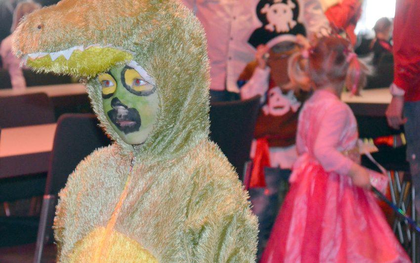 Viel Farbe und Freude beim Kinderkarneval.