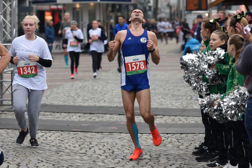 Karol Grunenberg siegte im Hauptlauf über 10 Kilometer.