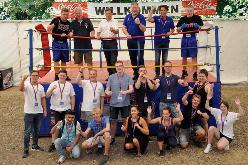 Box dich durch - unter diesem Titel haben IHK und Kreishandwerkerschaft neue Auszubildende auf die Cranger Kirmes eingeladen.