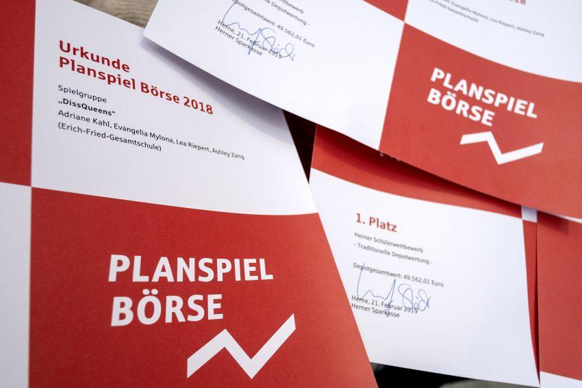 Siegerehrung im bundesweiten Planspiel Börse der Sparkassen bei der Sparkasse in Herne (NW), am Donnerstag (21.02.2019).
