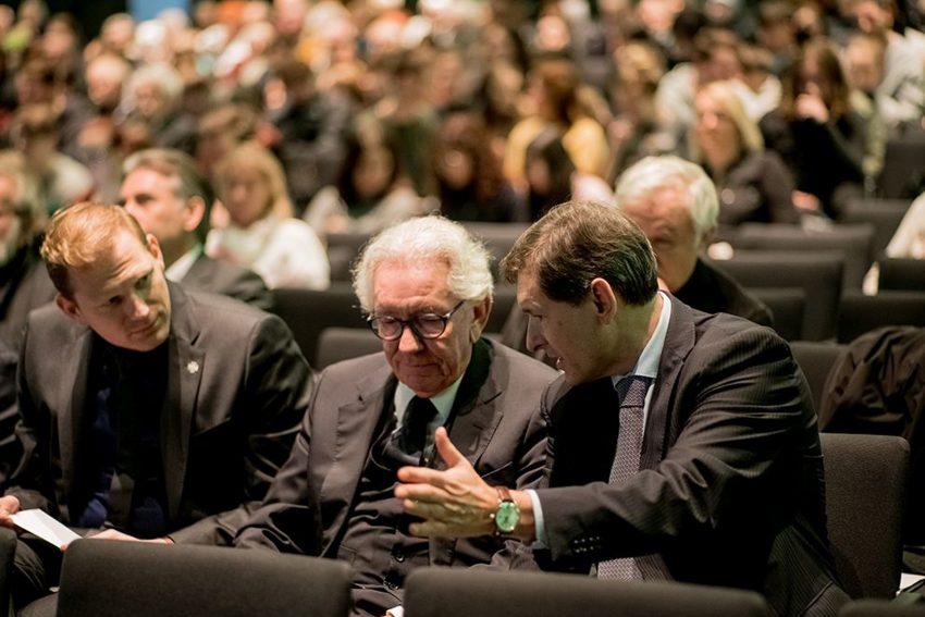 Shoa-Gedenkfeier im Kulturzentrum. Oberbürgermeister Frank Dudda (l.) und Stephan Holthoff-Pförtner, Minister für Bundes- und Europaangelegenheiten sowie Internationales des Landes NRW.