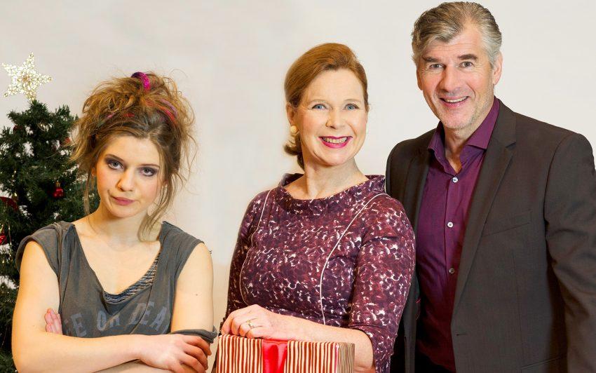 Auf eine Neues - eine Komödie von Antoine Rault: v.l. Emma Henrici, Marion Kracht und Daniel Morgenroth.