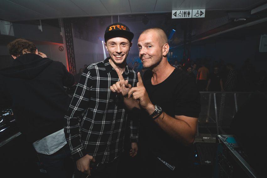 v.l. DJ und Musiker STEEL und DJ MOGUAI.